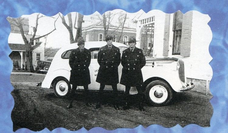 dad and three troopers and ghost car in Elversonand Paulette Goddard005
