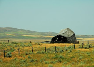 Fallen_Barn_Montana_